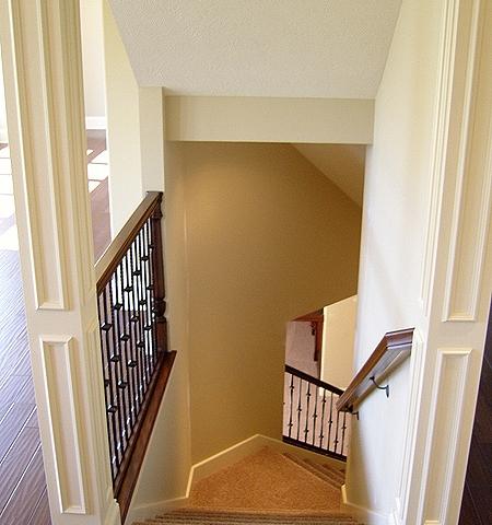 lower_level_stairway_lg